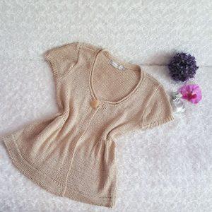 52d8c9442632 Háčkovaná vesta-sveter veľ. M